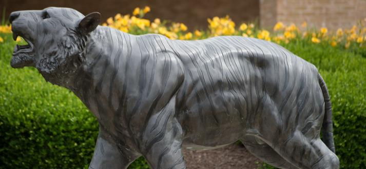 picture of bengal tiger statue